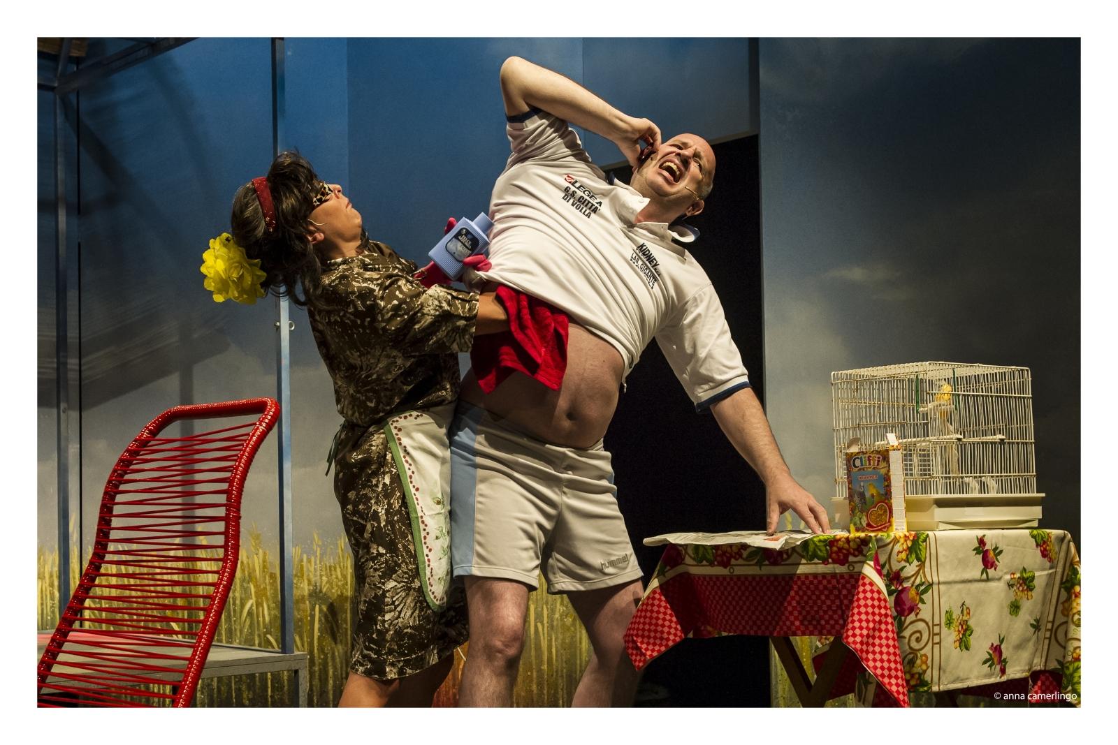 La commedia «Atletico Minaccia Football Club» al Teatro Martinitt di Milano
