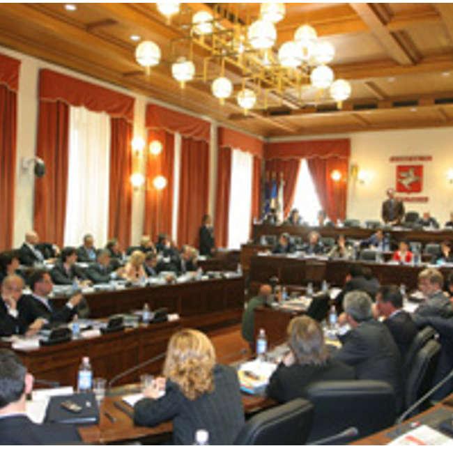 Approvato il 'Toscanellum', polemiche sulla nuova legge elettorale regionale