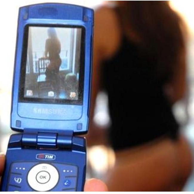 Si fotografa nuda a 12 anni per far ingelosire l'ex ragazzo