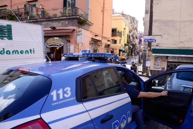 """Napoli, agguato in pieno centro. Ucciso Carmine Lepre, fratello noto boss del """"Cavone"""""""