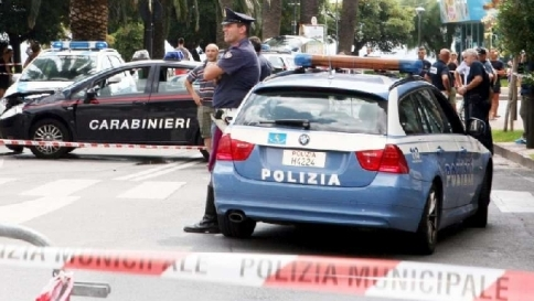 Semina il panico con un machete: ferito un capitano dei carabinieri