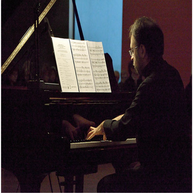 Venerdì sera in musica con il pianista Ciro Longobardi