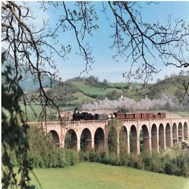 Un treno a vapore per visitare i borghi e le sagre toscane d'autunno