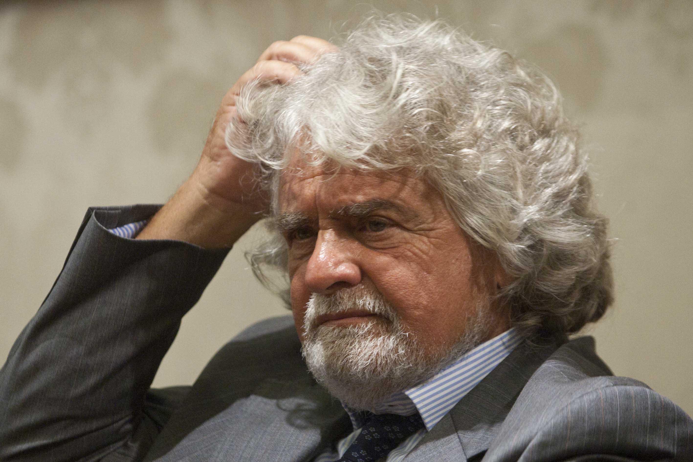 Grillo attacca Bruxelles e il Governo : «Lotteremo contro l'euro e il Jobs Act»