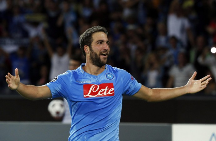 Otto reti e tanto spettacolo: il Napoli trionfa 6-2 sul Verona