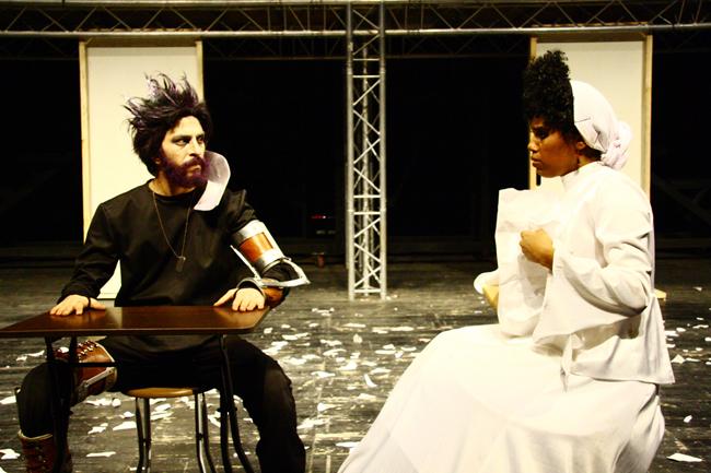 Hamlet del Quantum Theater, in lingua farsi