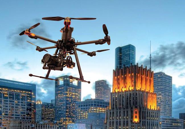 Un drone su Roma: il volo dimostrativo di FlyNovex. La prima missione autorizzata Enac