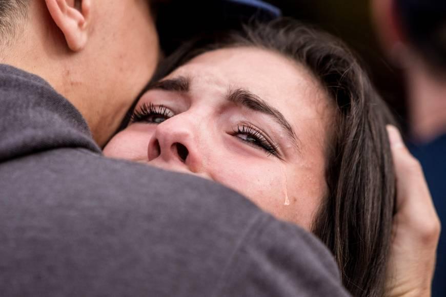 A Marysville uno studente spara in mensa: prima uccide e ferisce, poi si suicida