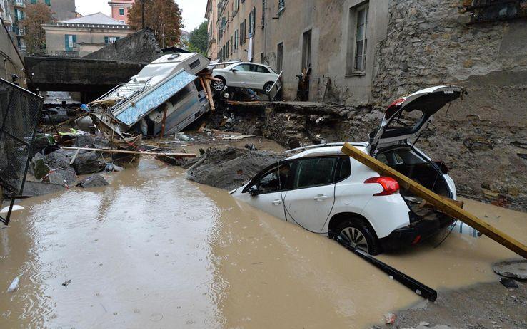 """Genova: allerta due fino alla mezzanotte di lunedì. Gabrielli """"Piena emergenza"""""""