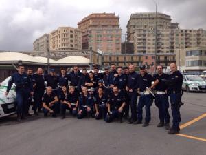 gruppo-agenti-polizia.locale