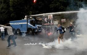 """Protesta """"Block Bce"""" a Napoli : cronaca di una giornata particolare. Quanta gente in piazza!"""