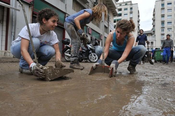 Genova: cessata l'allerta continuano i disagi. Si apre l'inchiesta per omicidio e disastro colposo