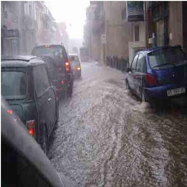Allerta meteo anche in Toscana, attese forti piogge e allagamenti
