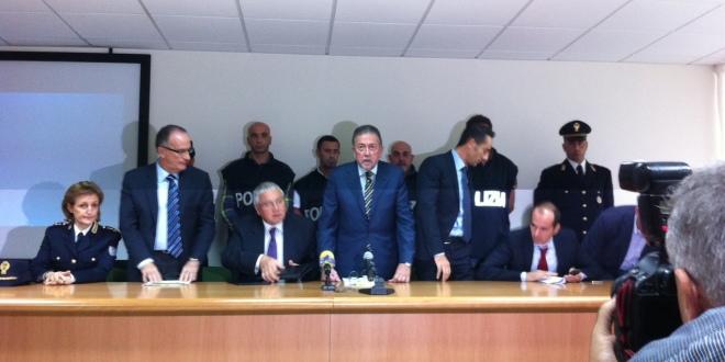 """Operazione """"Alias"""" della Polizia di Taranto: 52 arresti in tutta Italia."""