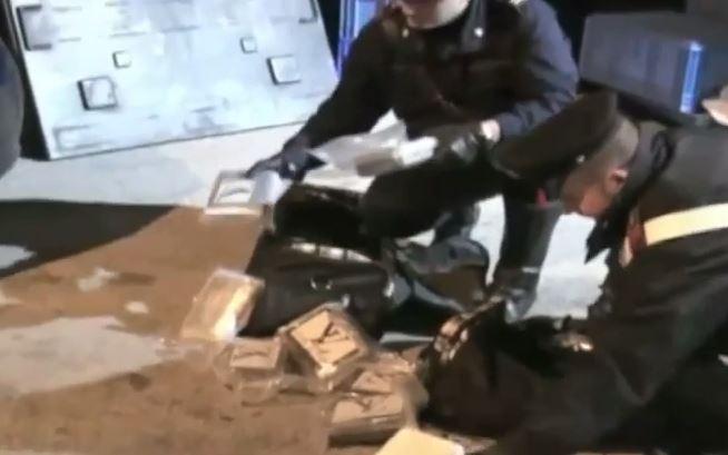 Napoli, 600 Kg di droga in serbatoio tir. 40 arresti