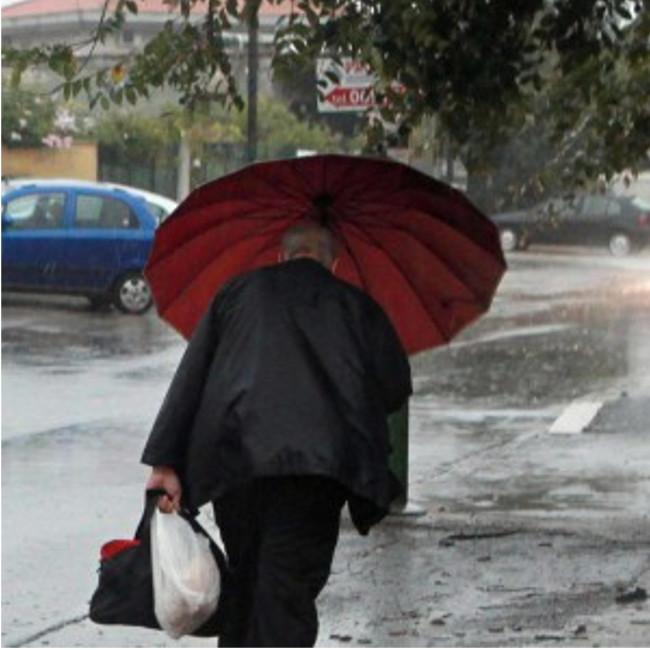 Maltempo: dalle 24 nuova allerta meteo in Toscana, vento forte e mare agitato
