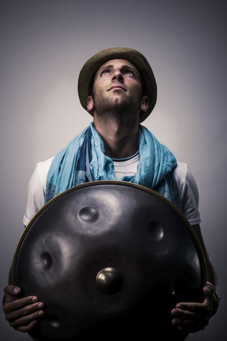 Intervista a Marco Selvaggio, unico in Italia a suonare l'Hang dal vivo