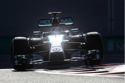 Gran finale ad Abu Dhabi: Rosberg in pole, Hamilton subito dietro