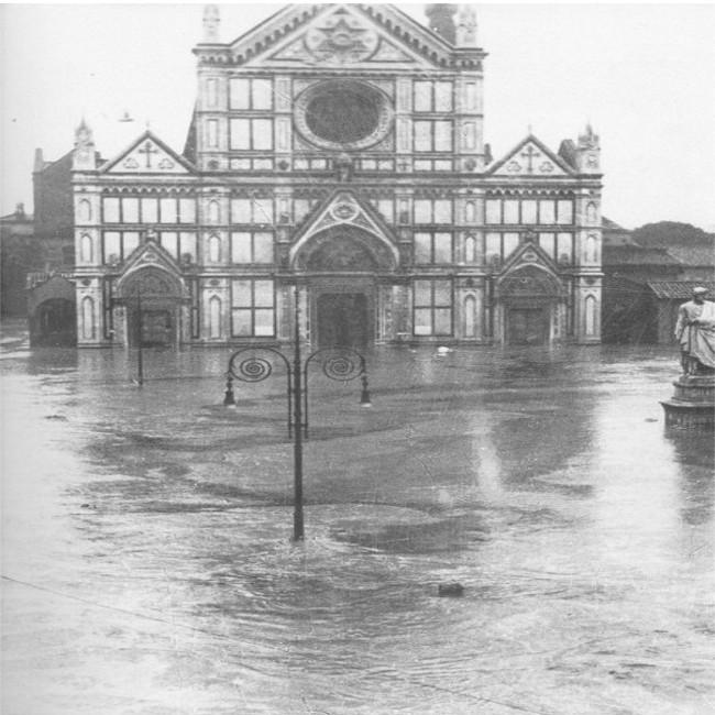 Firenze ricorda le vittime dell'alluvione del '66, stamani le celebrazioni