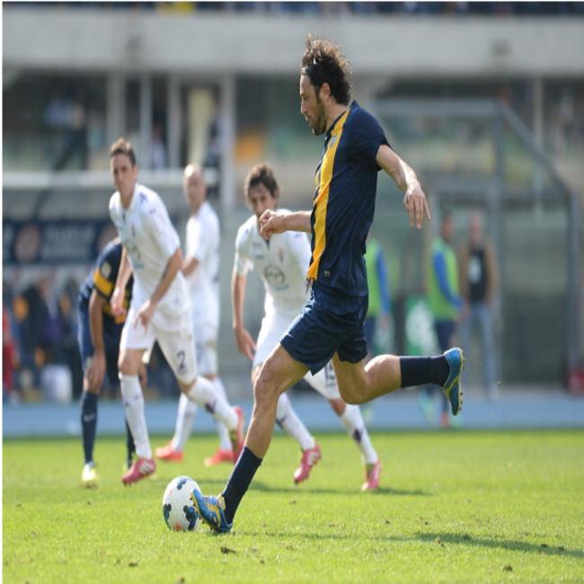 Fiorentina corsara batte il Verona al Bentegodi