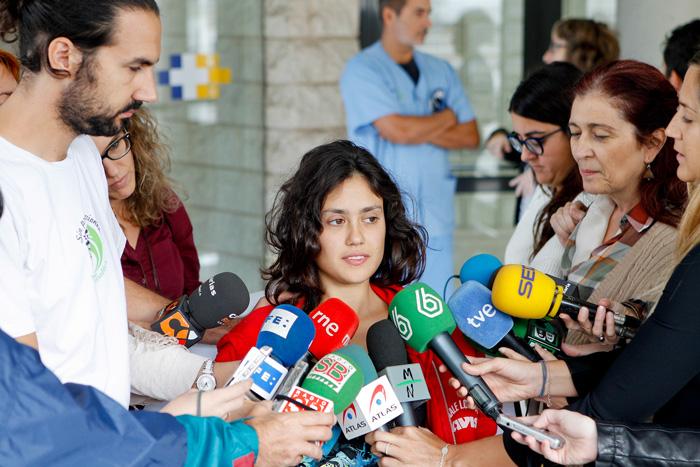 Greenpeace, torna in Italia l'attivista ferita dopo speronamento