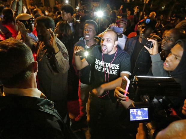 Stati Uniti: seconda notte di collera a Ferguson