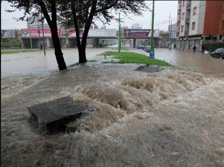 Maltempo: Esonda Seveso e Lambro e Milano è sott'acqua dopo la tregua di ieri. Cittadini esasperati