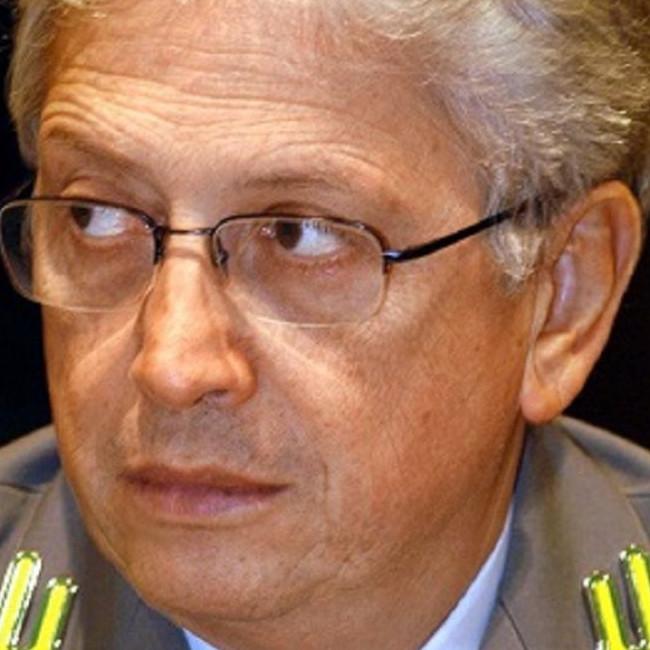 Spaziante ha chiesto il patteggiamento, 4 anni per l'ex capo della Gdf