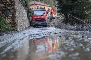 Frana a Biella, muore un settantenne. Il vicino ferito gravemente