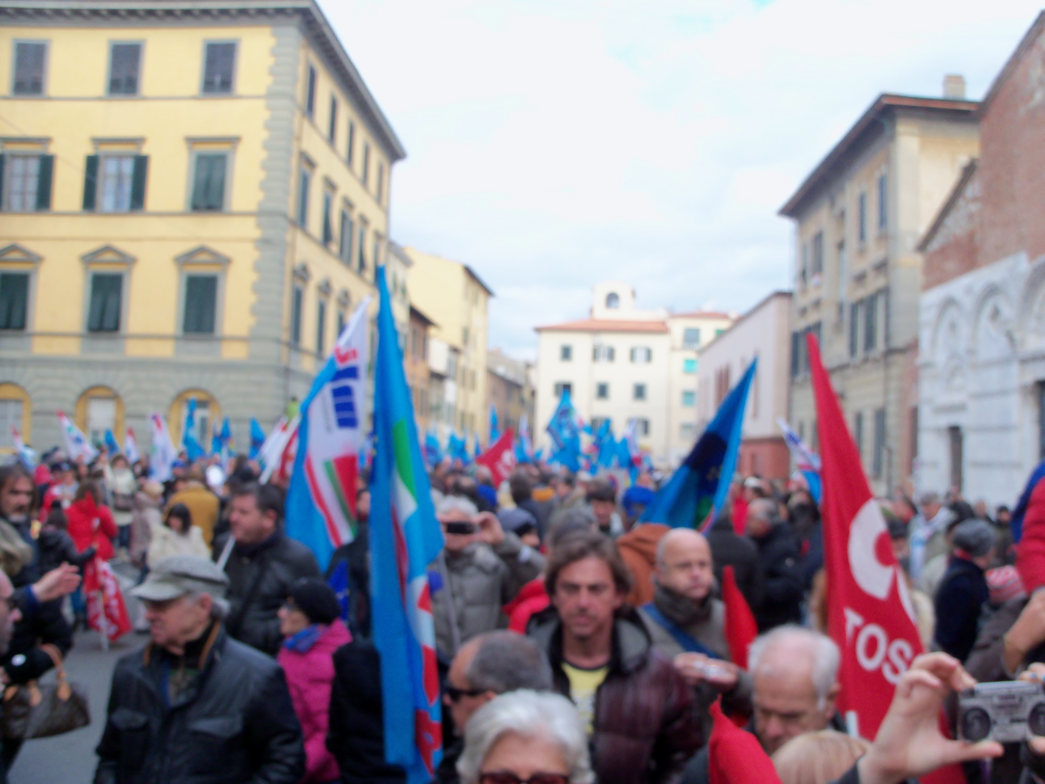 Toscana in sciopero, la piazza dice 'Basta' al Governo