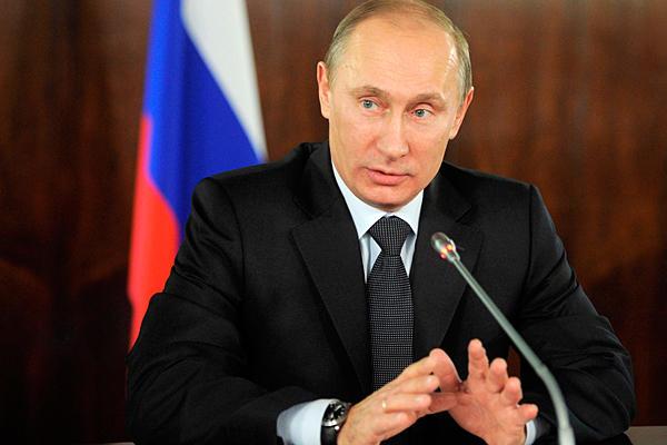 Crisi russa, Putin difende il Governo e attacca l'Occidente