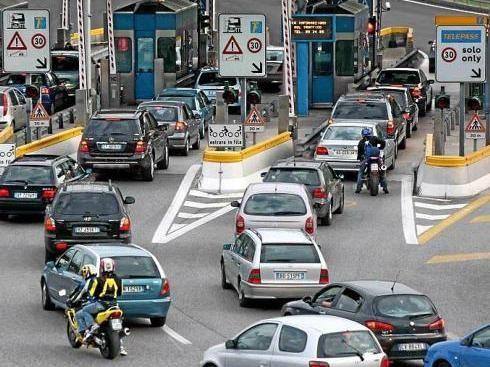 Autostrade, previsti nuovi aumenti da gennaio 2015