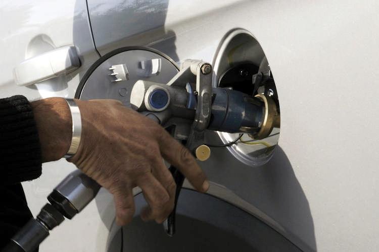 Finanziaria Toscana 2015: stop al bollo per auto a metano o gpl