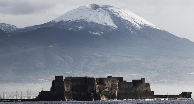 Brr… freddo intenso con neve a Napoli: molti rubinetti ora sono a secco…
