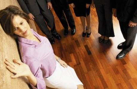 Mobbing: il reato di maltrattamenti in famiglia si configura  anche in aziende con 25 dipendenti