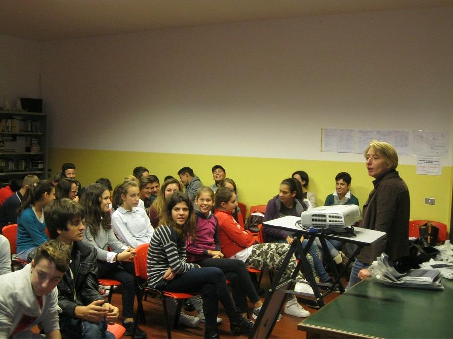 L'On. Nardi guida gli studenti apuani in visita al Parlamento