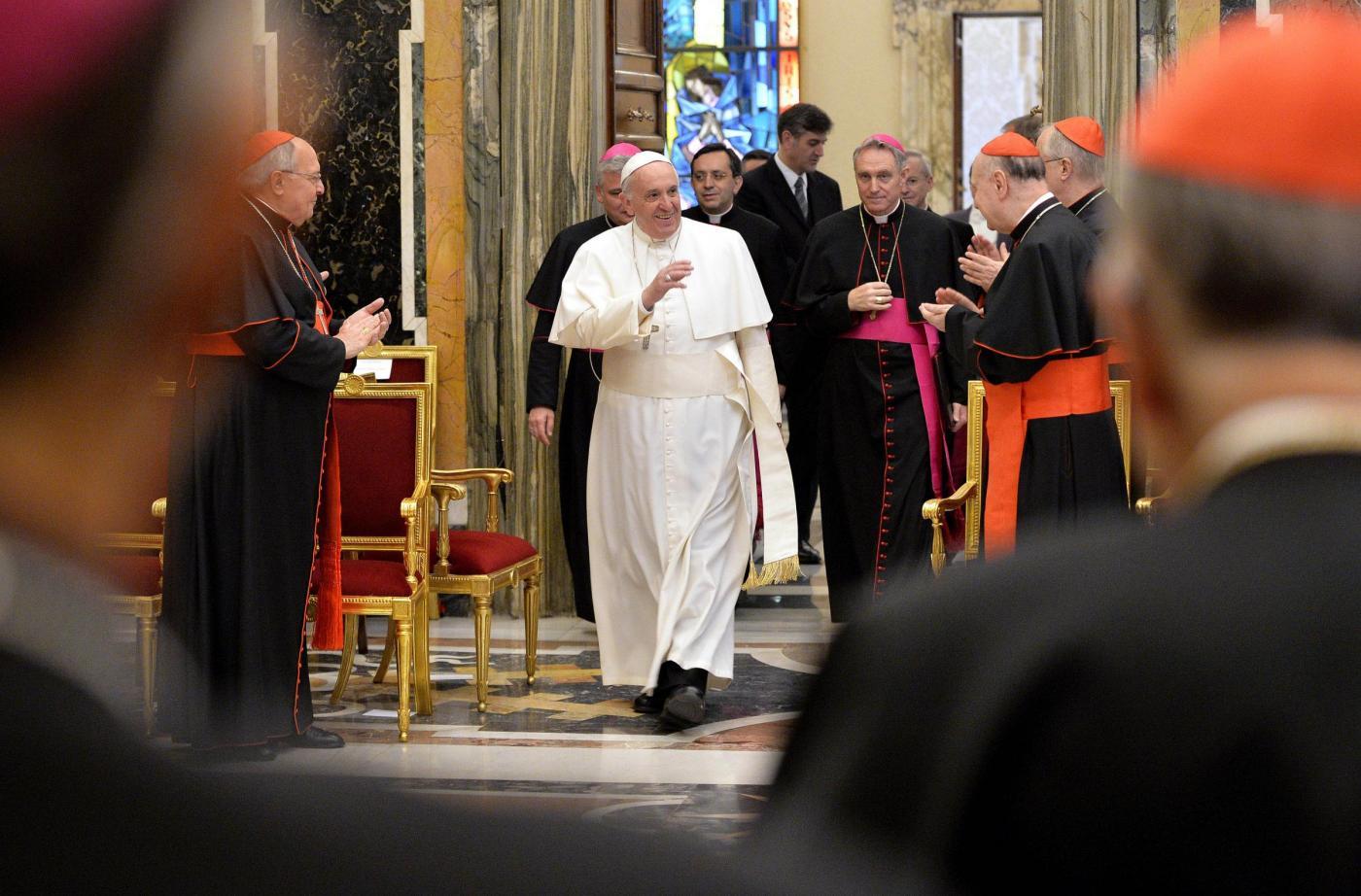 «No all'Alzheimer spirituale». Monito di Papa Francesco e le quindici malattie della Curia