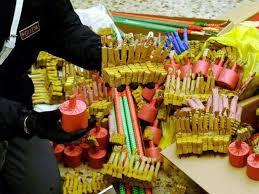 Sequestrati dalla polizia locale 30 mila pezzi pirotecnici in via Padova