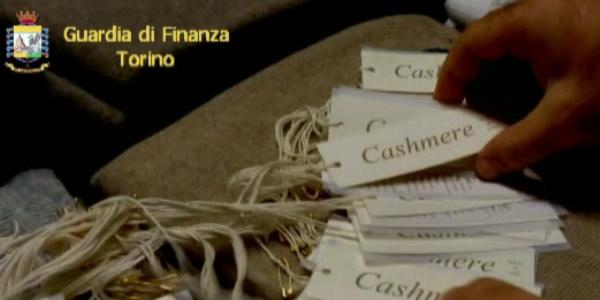 Il falso cashmere nel pieno centro di Torino