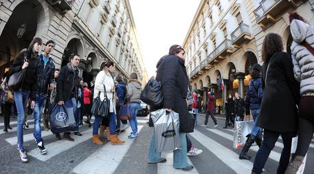 Istat, cala la fiducia dei consumatori