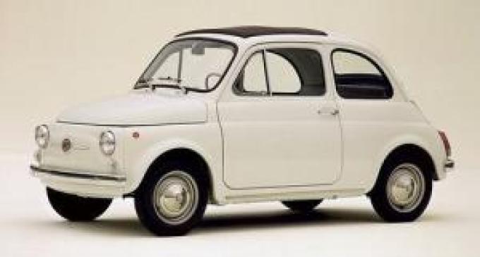 In arrivo una nuova tassa per le auto storiche. Ora è fuga all'estero