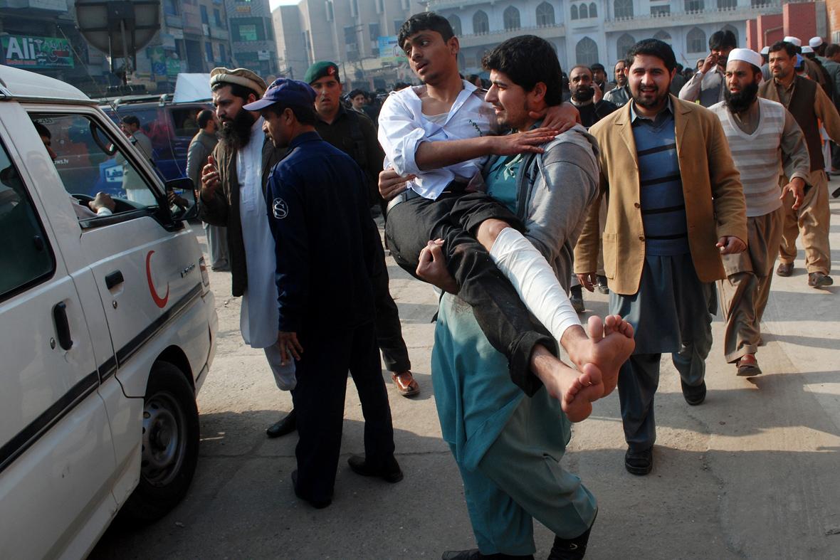 Pakistan: proclamati 3 giorni di lutto nazionale per la strage di Peshawar