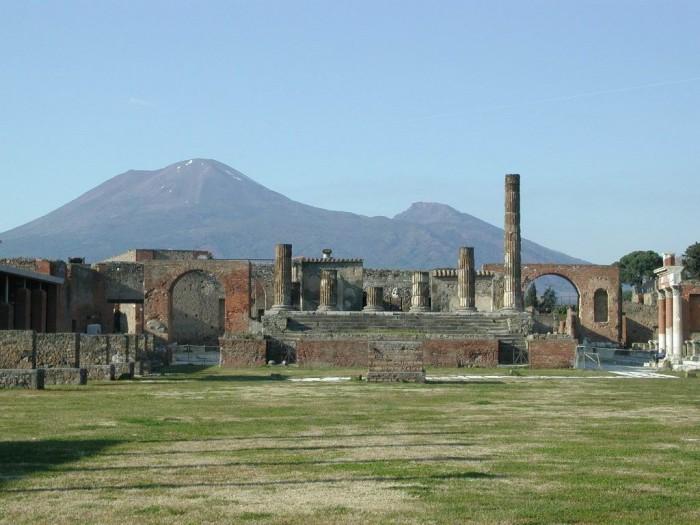Pompei, scavi chiusi a Natale e Capodanno. Danno per il turismo