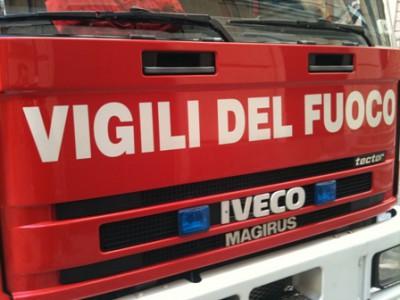 Genova, incendio doloso in un appartamento: madre e figlio intossicati