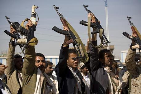 Yemen, golpe e spari nella capitale San'a'