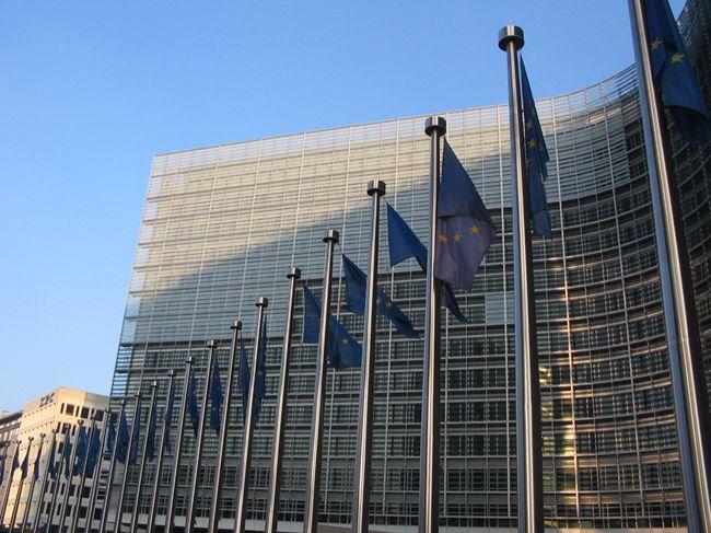 Ue: possibili temporanee deviazioni, ma occorre rispettare il tetto del 3%