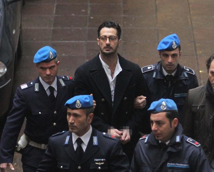 """Fabrizio Corona: """"Sto male, datemi un'opportunità"""""""