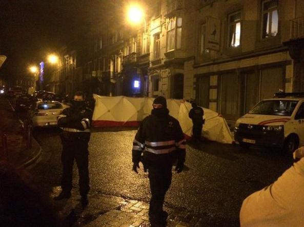 Si spara in Belgio: uccisi due terroristi islamici che fornivano armi alle cellule estremiste