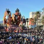 Folla_al_Carnevale_di_Viareggio_2013_672-458_resize
