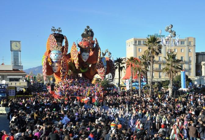 Carnevale di Viareggio, fervono i preparativi alla cittadella